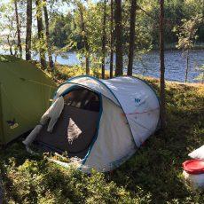 Wurfzelt auf Insel im Saimaa_Kanutour in Finnland