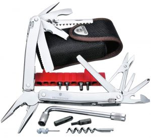 Victorinox Swiss Tool X Plus im Multi-Tool Vergleich