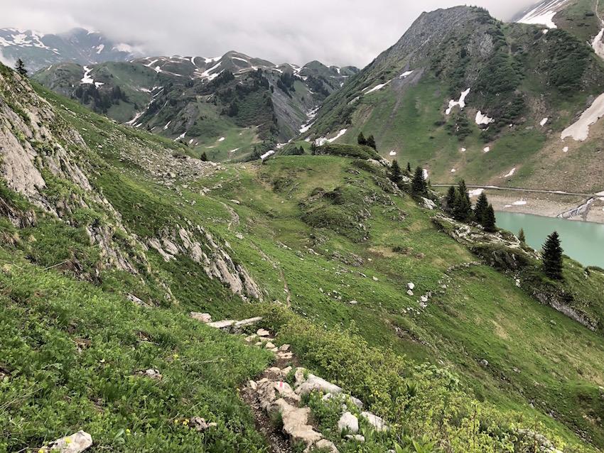 Wanderung vom Spullersee über die Ravensburger Hütte nach Zug_Wandersteig beim Spullersee