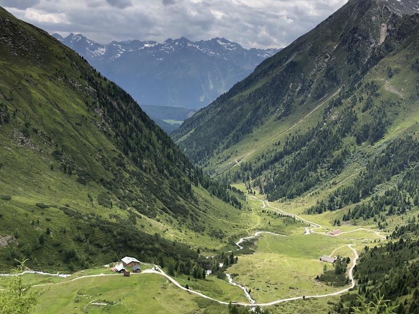 Abstieg zur Schweinfurter Hütte